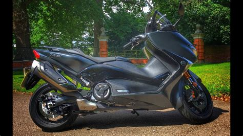 Review Yamaha Tmax Dx by 2017 Yamaha Tmax Dx Scooter Review