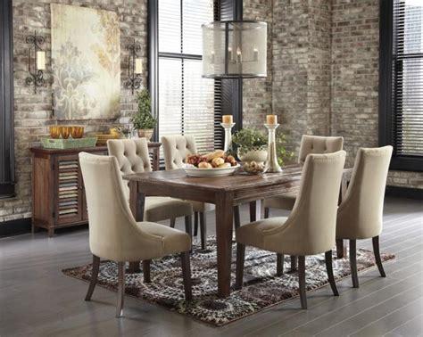 chaises capitonnées décorer l 39 intérieur avec la chaise capitonnée archzine fr