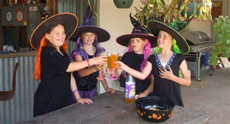 hexen frisuren für kinder 15 magische hexenparty spiele die kleine hexen verzaubern rund ums
