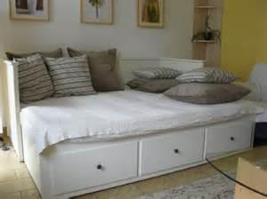 wohnideen roten sofa sofa wohnzimmer artownit for