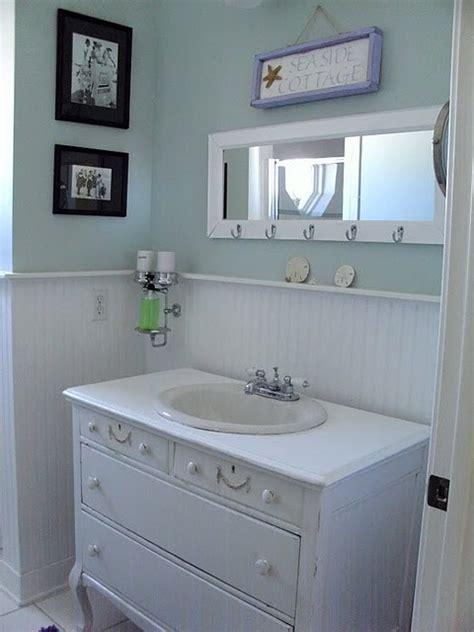 oh how i want a coastal style bathroom with wood panels