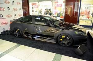 Kia lança carro inspirado em Batman!