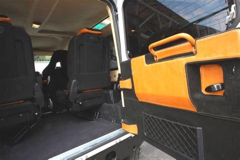 cambiare tappezzeria auto riparazione tetto interno auto terminali antivento per