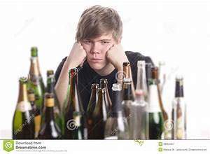 Alcool Jeune Permis : abus d 39 alcool de jeune homme image stock image du addictive mains 28952457 ~ Medecine-chirurgie-esthetiques.com Avis de Voitures
