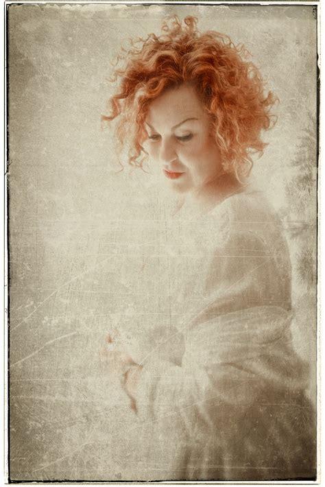 die leichtigkeit des seins die leichtigkeit des seins foto bild spezial indoor portrait bilder auf fotocommunity