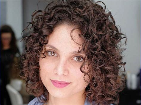 Trendy Curly Hairstyles by List Of Trendy Curly Bob Hairstyles In 2019 Find Health Tips