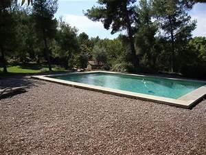 Contour de piscine en pierre obasinccom for Contour de piscine en pierre 0 la plage de la piscine piscines hydro sud