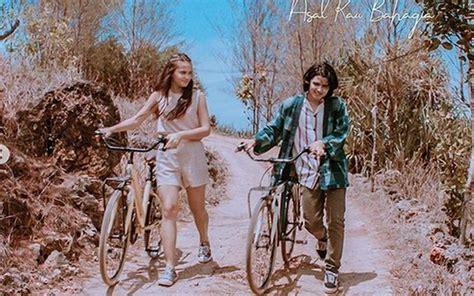Foto Kebersamaan Aliando Syarif Dan Aurora Ribero Di Film
