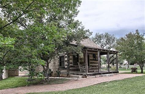 cabin rentals fredericksburg tx 120 best images about cabin rentals in fredericksburg tx