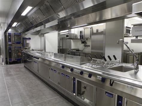 fournisseur cuisine cuisine equipement plet pour une cuisine moderne bulthaup