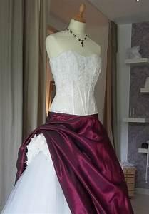 Brautkleid Mit Farbe : brautkleid mit spitzenkorsage bordeaux creme kleiderfreuden ~ Frokenaadalensverden.com Haus und Dekorationen