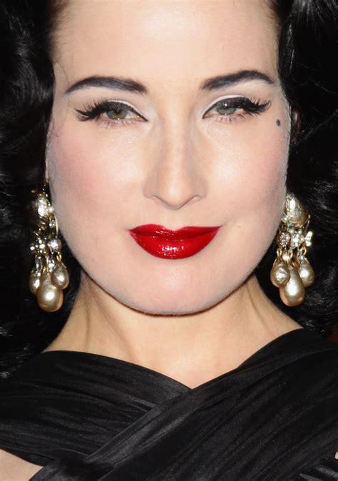 Dita Von Teese False Eyelashes   Dita Von Teese Makeup