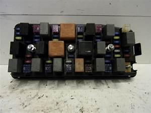 Used Chevrolet Captiva  C100  3 2 V6 24v 4x4 Fuse Box
