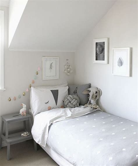 chambre a coucher grise chambre a coucher grise et blanche raliss com
