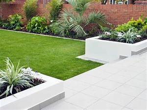 Modern garden design garden design london for White garden walls