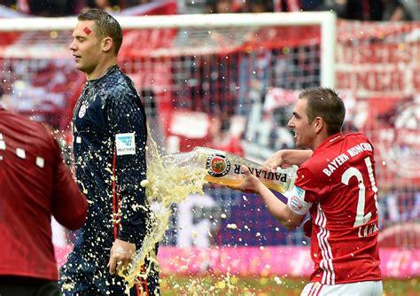 Bayern Munich's beer-soaked Bundesliga title celebration ...