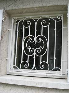 Barreau Securite Fenetre : grilles en fer forg de d fense traditionnelles mod le ~ Premium-room.com Idées de Décoration