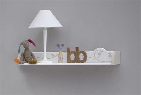 étagère murale pour chambre bébé etagère murale contemporaine blanche woody chambre bebe