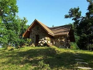 Maison à La Campagne : petite maison en pierre des plus insolites la campagne habas ~ Melissatoandfro.com Idées de Décoration