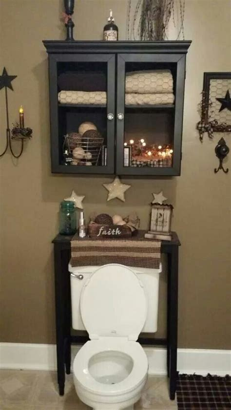 Decorating Ideas For A Small Country Bathroom by 16 Best Country Bathroom Decor Images On