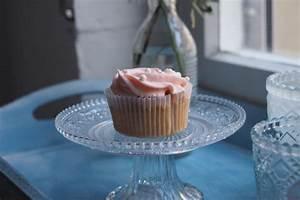 Cupcakes Mit Füllung : champagner cupcakes mit rosa frosting ~ Eleganceandgraceweddings.com Haus und Dekorationen