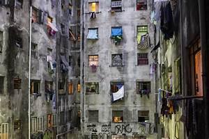 La B U00fasqueda De Una Vivienda En Edificios Abandonados