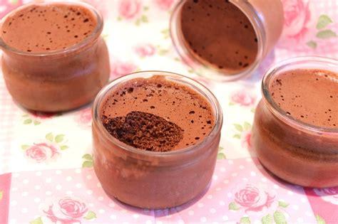 cuisiner des blancs d oeufs mousse au chocolat au jus de haricots rouges vegan