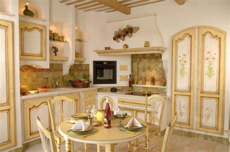 amenagement cuisine provencale cuisine provençale maussane en chêne massif cuisines