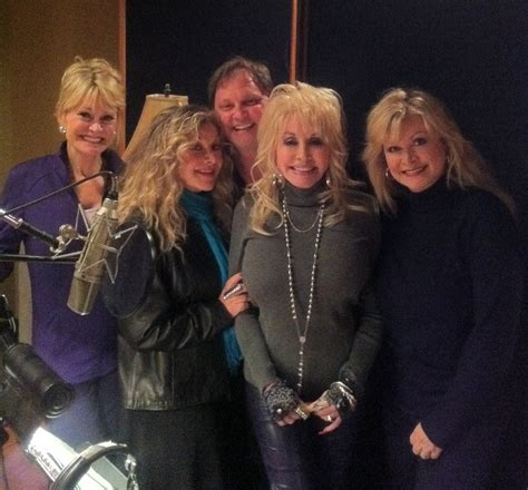 how many brothers and does dolly parton new at dollywood autos post