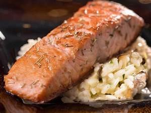Risotto Mit Fisch : risotto mit lachsfilet und frischen waldpilzen der kochguide ~ Lizthompson.info Haus und Dekorationen