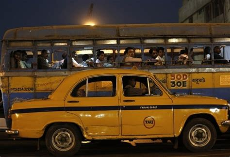 Kolkata Taxi Driver Returns Rs 6 Lakh To Passenger Who