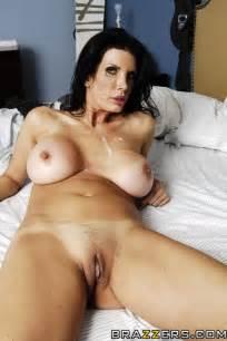 Pervert Mom Having Sex In The Bedroom Photos Shay Sights MILF Fox
