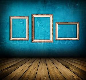 Dunkle Flecken An Der Wand : dunkle vintage blue zimmer mit holzfu boden und und emty rahmen an der wand stockfoto colourbox ~ Watch28wear.com Haus und Dekorationen
