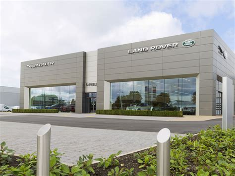 Sales associate, technical services manager, service advisor, service technician, tire change technician, car washer, car detailer, parts. Vertu Jobs Search   Find your perfect job in the motor industry   Vertu Careers