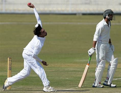 Video Watch Mohammad Amir Pick Five Wickets With Deadly