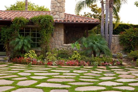 small house landscaping ideas front yard details