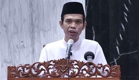 Dalam biografi ustadz abdul somad, dari situ, orang tuanya kemudian. Ustadz Abdul Somad Kembali Hadir di Kota Padang, Catat ...