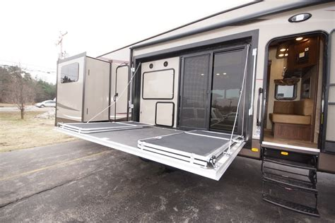 two bedroom fifth wheel 2 bedroom fifth wheel bedroom at real estate