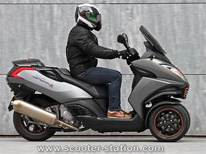 Metropolis 400 Rs : comparatif piaggio mp3 500ie lt abs sport 2014 vs peugeot metropolis 400i rs scooter station ~ Medecine-chirurgie-esthetiques.com Avis de Voitures