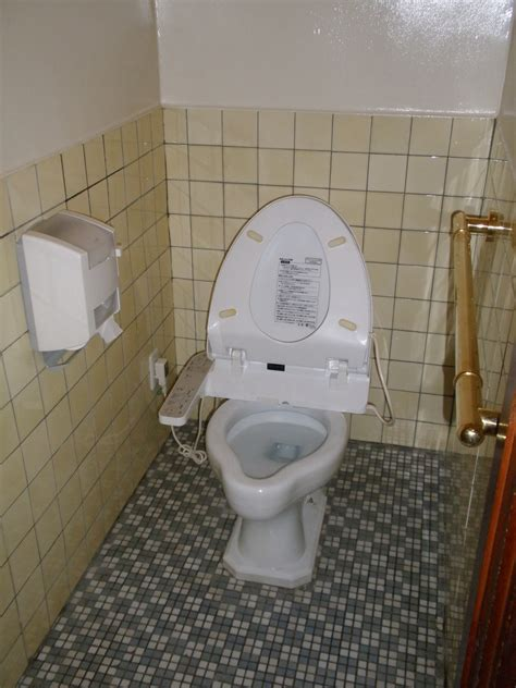 fashioned bathroom ideas file japanese toilet in the 1930s jpg wikimedia commons