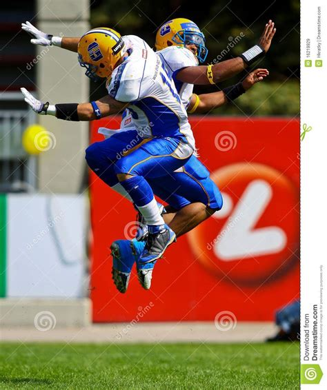 vikings  giants editorial stock image image  action