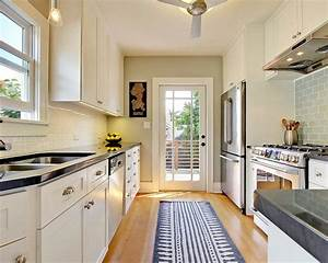 4 decorating ideas how to make a galley kitchen look for Lovable narrow kitchen ideas
