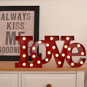 Lettre Lumineuse Deco : lettres lumineuse lampe love amour super insolite ~ Teatrodelosmanantiales.com Idées de Décoration