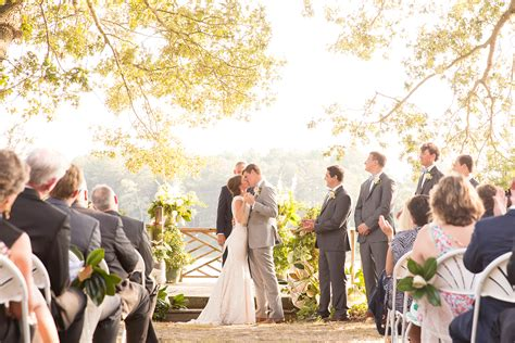 What Time Should You Start Your Outdoor Wedding Ceremony