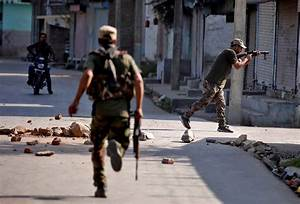 Pakistan, India blame each other for Kashmir fighting ...