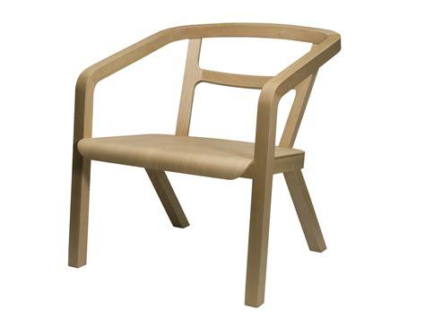 chaise avec accoudoirs chaise en bois avec accoudoirs eno by covo design mikko