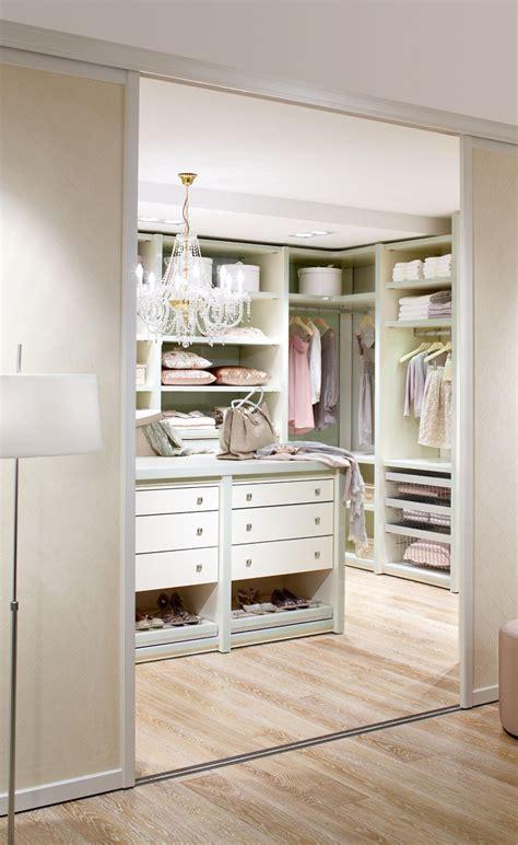 Begehbarer Kleiderschrank Im Schlafzimmer by Einbauschr 228 Nke Nach Ma 223 Begehbare Kleiderschr 228 Nke In