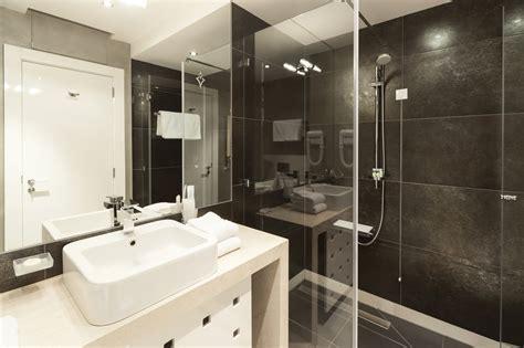 hauteur prise salle de bain maison moderne