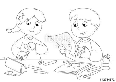 disegni di bambini che giocano al mare quot bambini che giocano con carta forbici colla e pennelli