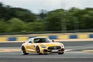 Mercedes Amg Gt Prix : essai mercedes amg gt r le test de l 39 amg ultime photo 7 l 39 argus ~ Gottalentnigeria.com Avis de Voitures